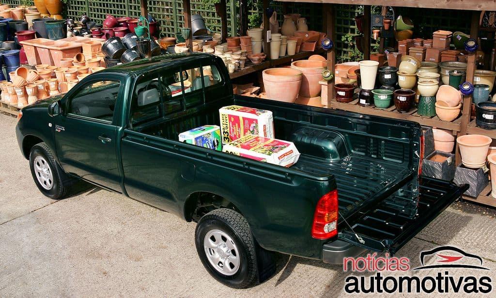 Hilux Cabine Simples: versões, motor, manutenção, consumo, fotos