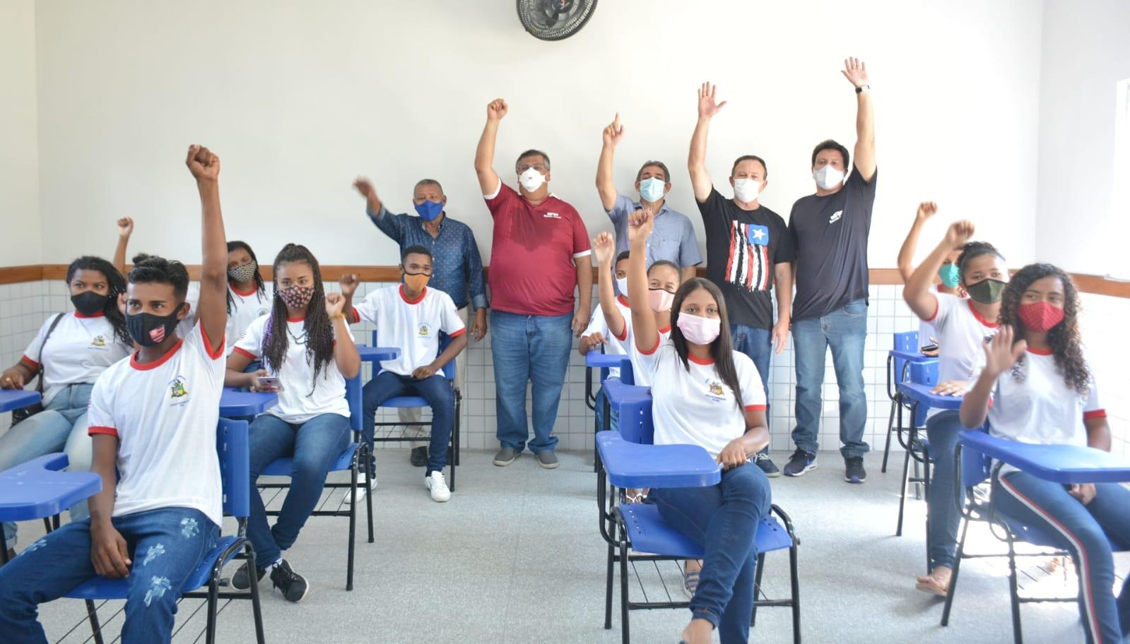 Governo entrega escola reconstruída em Cajapió e emociona comunidade escolar. (Foto: João Aroucha)