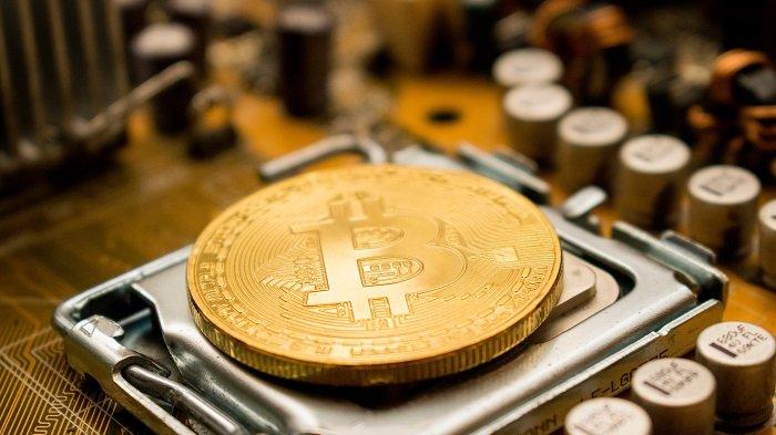 Mineração de bitcoin (Imagem: Dmitry Demidko/Unsplash)