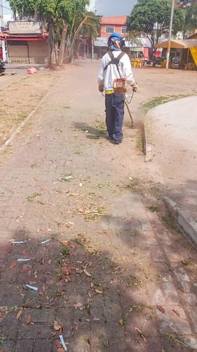 Ação no Guará retira duas toneladas de lixo das ruas
