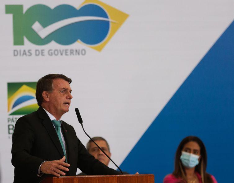O presidente da República, Jair Bolsonaro, participa do lançamento do programa Crédito Caixa Tem