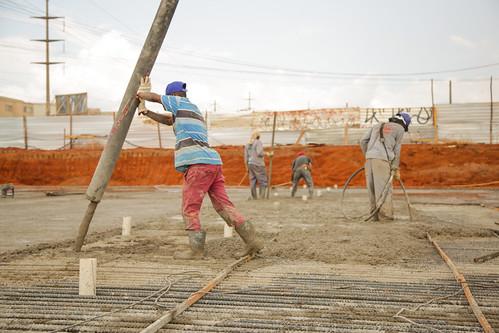 Concretagem do viaduto do Recanto das Emas fica pronta este mês