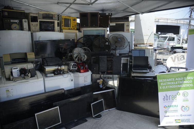 Central de Logística Reversa de Eletroeletrônicos, em Realengo, na zona oeste.
